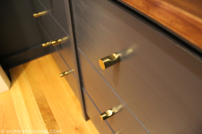 homemoyaone_coat-closet-ikea-hack-anthro-knobs